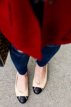 2014 Free People Sweater Jacket // Joie Blouse // J Brand Denim // Clare V Handbag // Chanel Ballet Flats Chanel Ballerina, Ballerina Shoes, Gucci Mini Bag, Sequins And Stripes, Flats Outfit, Chicago Fashion, Jeweled Shoes, Ballet Fashion, All About Shoes