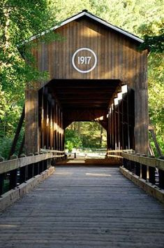 McKee Covered Bridge in the Applegate Valley, south of Ruch (Photo No. McKee Covered Bridge in the Applegate Valley, south of Ruch (Photo No. New Hampshire, Old Bridges, Nostalgia, By Train, Old Barns, Covered Bridges, Yosemite National Park, Places To See, Beautiful Places