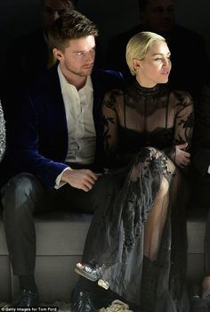 love Couple Miley Cyrus and Patrick Schwarzenegger romantic mood at Tom ...