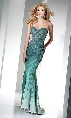 Mermaid Strapless Long Lace Prom Dress