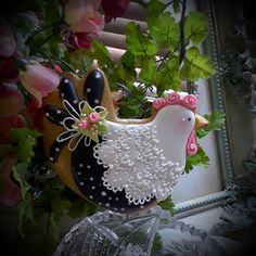 Ann Clark Chicken with Handle Cookie Cutter - Sheer Celebrations Fancy Cookies, Iced Cookies, Cute Cookies, Easter Cookies, Royal Icing Cookies, Cupcake Cookies, Christmas Cookies, Angel Cookies, Owl Cookies