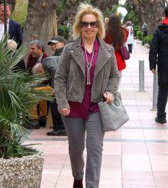 Meral Somak İbanoğlu – Kızını ziyarete gitti