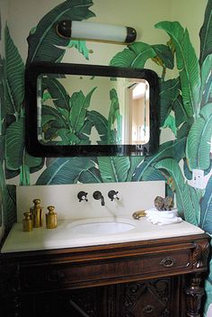 Martinique Wallpaper, perfect in a powder room. Would like to do this in my guest bathroom. Palm Tree Bathroom, Tropical Bathroom, Jungle Bathroom, Small Bathroom, Bathroom Ideas, British Colonial Style, Deco Nature, Tropical Wallpaper, Beverly Hills Hotel