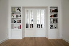 Small Home Offices, Home Office Space, Home Office Design, House Design, Living Room Remodel, Home Living Room, Amsterdam Living, Room Divider Bookcase, Sitting Room Decor