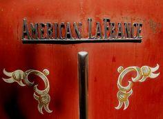 La marque de véhicules automobile Américaine American LaFrance - Materiel d'incendie fut fondée en 1903 et arrête son exploitation de voitures en 1994.