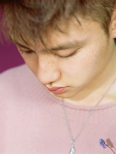 Kyungsoo with freckles kills me.