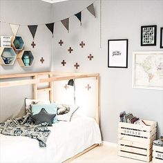How many ways are there to customize the Ikea Kura bed? Here you are seven more amazing Kura hacks! Ikea Kura Hack, Ikea Kura Bed, Big Girl Rooms, Baby Boy Rooms, Ikea Home, Kid Spaces, My New Room, Kids Bedroom, Children