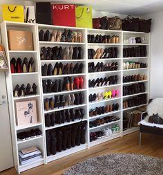#shoewardrobe #shoedrobe #shoeshelfes #shoeheaven