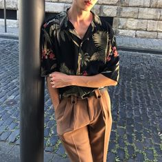 Korean Fashion Trends you can Steal – Designer Fashion Tips Streetwear Mode, Streetwear Fashion, Streetwear Clothing, Queer Fashion, Fashion Outfits, Fashion Tips, Fashion Vest, Tomboy Outfits, Fashion Articles