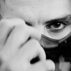 p here lies hannah. civil war killed me (did you see bucky smiLE? Sebastian Stan, Marvel Dc, Marvel Funny, Marvel Comics, Bucky Barnes Captain America, James Barnes, Bucky And Steve, Bad Boy Aesthetic, Marvel Wallpaper