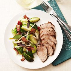 Mustard Rubbed Pork Tenderloin w/ Brussel Sprout Ragout: Have a healthy dinner ready in 20 minutes! These low-fat, low-calorie healthy dinner recipes are perfect for busy nights. Healthy Meats, Healthy Cooking, Healthy Eating, Healthy Foods, Clean Eating, Pork Recipes, Veggie Recipes, Cooking Recipes, Sprout Recipes