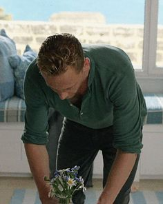 Sexy Tom Hiddleston Moments In 'The Night Manager' Tom Hiddleston Imagines, Tom Hiddleston Loki, Tom Hiddleston Night Manager, Hiddleston Daily, Thomas Sharpe, Thomas William Hiddleston, Loki Laufeyson, Man Alive, Man Crush
