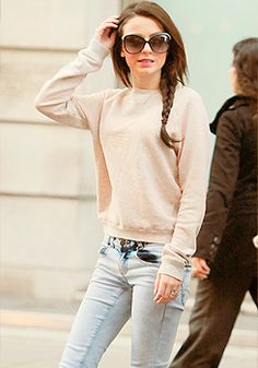 Pastel sweater+washed out jeans+ fishtail