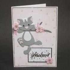 Je ziet hier 6 poezenkaarten. En om die te maken is er een handig pakket met allerlei papier erin. Cat Cards, Kids Cards, Birthday Card Drawing, Marianne Design Cards, Spellbinders Cards, Cardmaking And Papercraft, Kids Birthday Cards, Diy Crafts For Gifts, Animal Cards