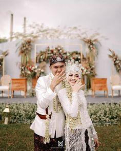 Are you planning a wedding on a budget? Dollar Tree to the rescue with these fruits - Wedding Ideas Kebaya Wedding, Muslimah Wedding Dress, Muslim Wedding Dresses, Wedding Hijab, Wedding Attire, Muslim Brides, Javanese Wedding, Indonesian Wedding, Malay Wedding