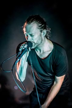 THOM YORKE - Radiohead. High and Dry, Street Spirit, Fake Plastic Trees, Creep, No Surprises.