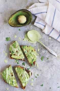 Avocado Toast with Cilantro Lime Cashew Cream #avocado #toast