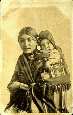 Prairie Postcards: Aboriginal woman poses with a baby wrapped in a blanket on her back. Native American Beauty, Native American Photos, Native American Indians, American History, Cree Indians, Native Indian, First Nations, Nativity, Infp