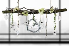 Beech branch to hang, springlike de by CreaTina-Deko on DaWan . Deco Floral, Diy Décoration, Home And Deco, Nature Crafts, Decoration Table, Mobiles, Diy Home Decor, Diy And Crafts, Christmas Decorations