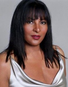 e730ffe1f9353 One-on-One Interview  Actress Pam Grier on Dining Out For Life