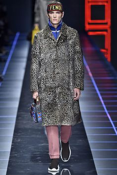 Everything You Need to Know About Milan Fashion Week Fall 2017 Fendi, Leopard Pattern, Fall Winter, Winter 2017, Gq, Mens Fashion, Fashion Trends, Versace, Ideias Fashion