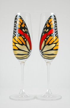 Monarch Butterfly Toasting Flutes perfect for your summer wedding. Hand-Painted by MaryElizabethArts.com