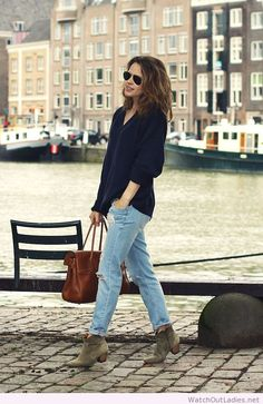 Boyfriend jeans, slouch jumper, marant boots and mulberry bayswater