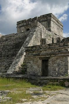 Mayan Ruins in Tulum MEXICO.    (by virtualphotographystudio, via Flickr)