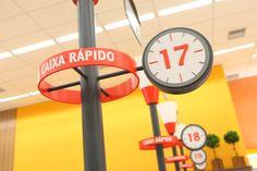 Design e Projeto de loja   Comunicação Visual   Detalhe: Check-out (caixa rápido) Savegnago - São Carlos-SP