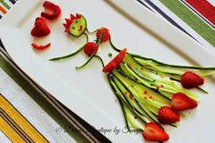 Dinner Boutique: Hula Dancer With Strawberry & Cucumber