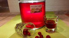 Ríbezľový likér - Recept pre každého kuchára, množstvo receptov pre pečenie a varenie. Recepty pre chutný život. Slovenské jedlá a medzinárodná kuchyňa
