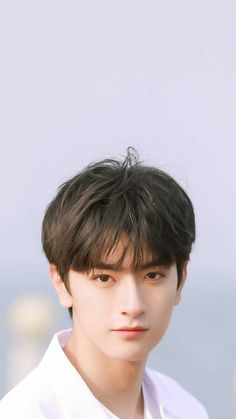♡ Lâm Nhất - 林 ♡ how to style naturally curly african american hair - Natural Hair Styles Chinese Babies, Chinese Boy, Korean Boys Ulzzang, Ulzzang Boy, Asian Actors, Korean Actors, Beautiful Boys, Pretty Boys, Idol 3