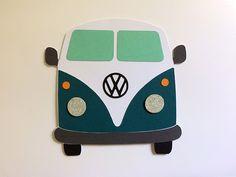 Carte réalisée à la Silhouette Portrait/Caméo représentant un Combi Volkswagen. Pour les passionnés de surf et de vans Volkwagen. Scrapbooking DIY Cameo