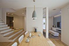 インテリア/ACTUS/ARBO/アルボ/クラシスホーム Tea House Japan, Japanese Tea House, Home Room Design, Interior Design Living Room, House Design, Stair Shelves, Apartment Layout, House Stairs, Staircase Design