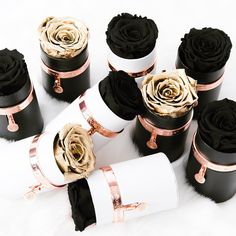 Black & Gold are always in style! Chocolate Box Packaging, Dyi, Luxury Flowers, Décor Boho, Aesthetic Colors, Fun Crafts For Kids, Useful Life Hacks, Flower Boxes, Valentines Diy