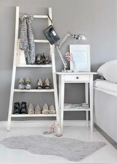 IDEAS & INSPIRATIONS: Use Ladder In Home Decor -Ladder Decorations Ideas