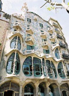 Expressionist Architecture of Casa Batllo in Barcelona- Antoni Gaudi