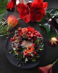 "402 Likes, 16 Comments - 청담 수케이크 (atelier soo) (@soocake_ully) on Instagram: ""ㅡ R E D. S o o party cake design. Soocake. ❤ ㅡ #flower #cake #flowercake #partycake #birthday…"""