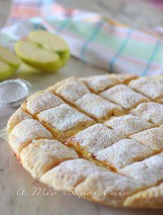 Torta trapunta alle mele ricetta con pasta sfoglia il mio saper fare Bakery Recipes, Cookie Recipes, Dessert Recipes, Apple Recipes, Sweet Recipes, Easy Puff Pastry Recipe, Quilted Cake, Pie Co, Thanksgiving Cupcakes