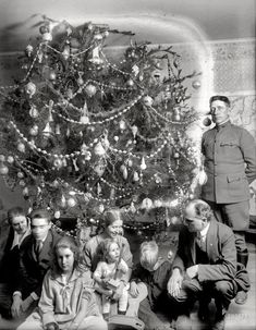 """Dickey Christmas tree -- 1918."" When Christmas trees were still wild and crazy."