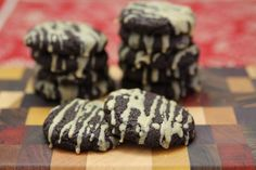 If I can tolerate eggs and chocolate! Dark Chocolate Shortbread Cookies (Sandies or Meltaways) - The Paleo Mom Paleo Sweets, Paleo Dessert, Dessert Recipes, Paleo Mom, How To Eat Paleo, Gluten Free Treats, Gluten Free Desserts, Sin Gluten, Chocolate Shortbread Cookies