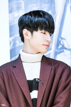Park Seung Jun 박승준 || KNK || 1993 || 190cm || Main Rapper || Vocal || Visual