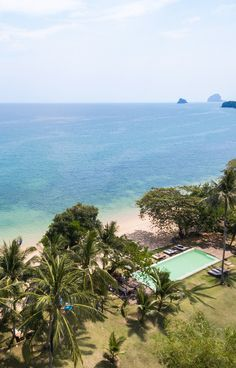 Koyao Island Resort, Koh Yao Noi, Thailand – book through i-escape.com || A chilled-out, rustic-chic resort on a stunning Thai island, with fab views over the glorious Phang Nga archipelago.