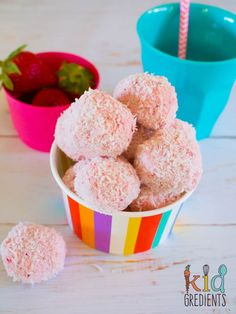 Yummy 4 ingredient strawberry cheesecake bliss balls, easy to make and really yummy! Freezer friendly and kid friendly too! 4 Ingredient Recipes, Snack Recipes, Dessert Recipes, Kid Recipes, Recipies, Bliss Balls, Valentines Food, Balls Recipe, Strawberry Cheesecake