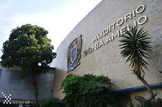Auditorio Autor: García Pérez Adrián 25/11/2015 ISO: 200 / 22mm / f/3.5 / 1/320s