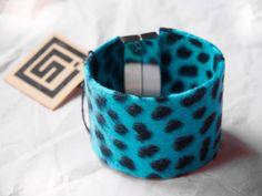 Bracelet manchette en tissu léopard