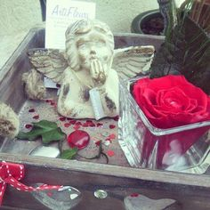 """PROMO DE NOEL Avec le code """"MOINS20"""" Bénéficiez d'une réduction immédiate sur votre commande de -20% ! Valable sur toute la boutique Artifleurs ! En savoir plus sur http://www.artifleurs-fleurs-artificielles.com/#f8pGQvrA6Tbrg2Bf.99 Plateau bois ange et rose naturelle éternelle rouge romantique vintage"""
