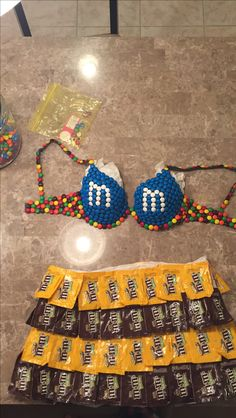 Mnm Halloween Costume, Halloween Outfits, Halloween Makeup, Anything But Clothes Party, Abc Party, Football Outfits, Halloween Disfraces, Costume Makeup, Diy Costumes