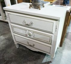 White 3 Drawer Italian Provincial Chest - Sku: QWNP1R - $148.00