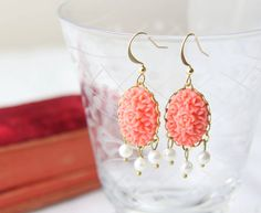 Coral and pearl earrings. Coral chandelier by ReyesRobledo on Etsy